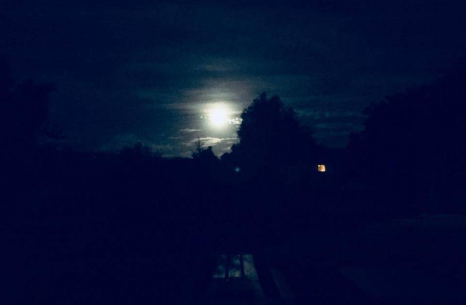 The moody wolf moon over Outram. Photo: John Smith