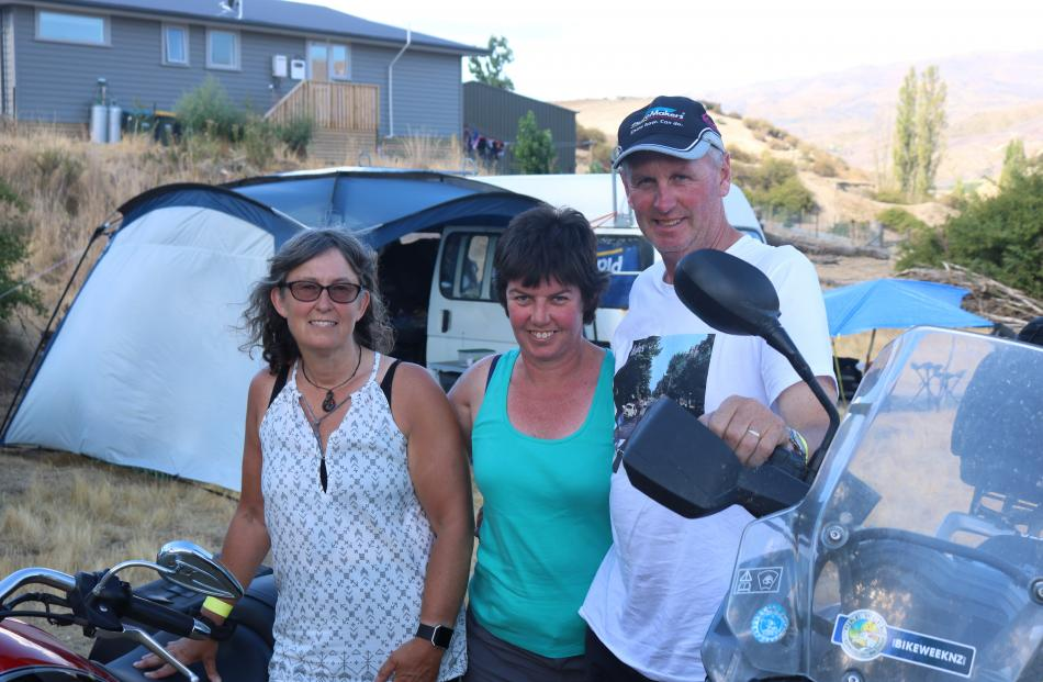 Glenys Sutherland, of Dunedin, and Annette and Nigel Greaves, of Alexandra.
