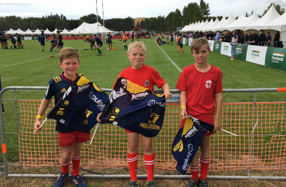Young fans ready to support the Highlanders. Photo: Matthew Holdridge