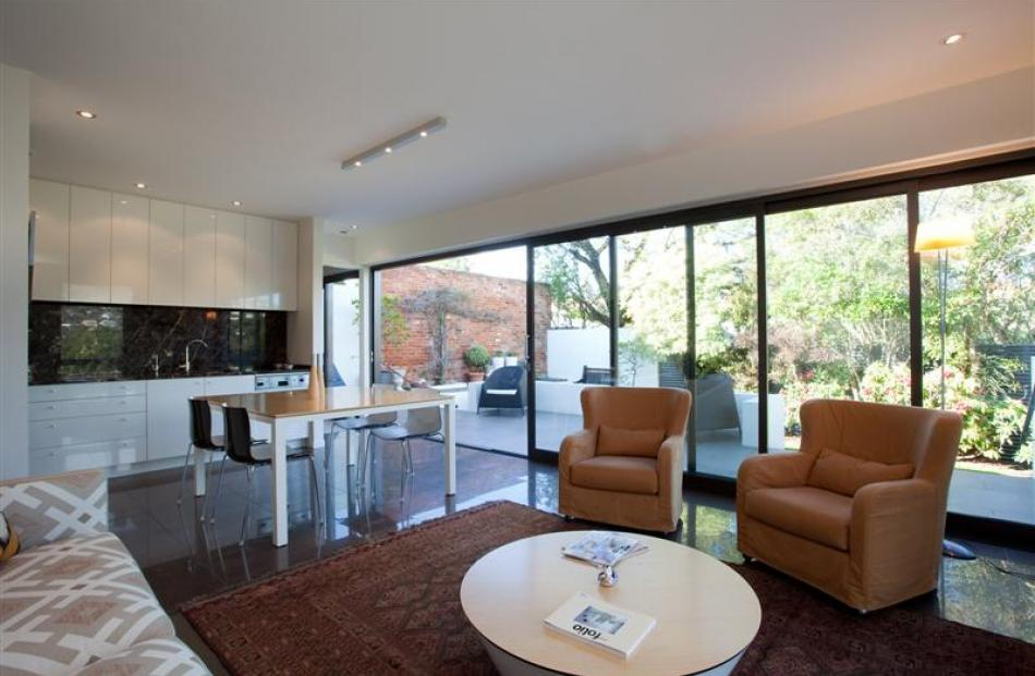 The living/dining room extension. Photo by Graham Warman.