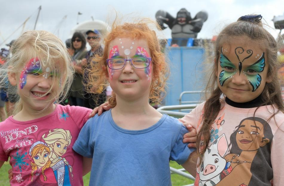 Pyper McNamara (4), of Weston, and Beth Muir (5) and Hila Leo (5), both of Oamaru.