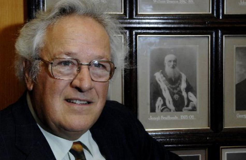 Braithwaite checks out the portrait of his grandfather Joseph Braithwaite, who was Mayor of Dunedin.