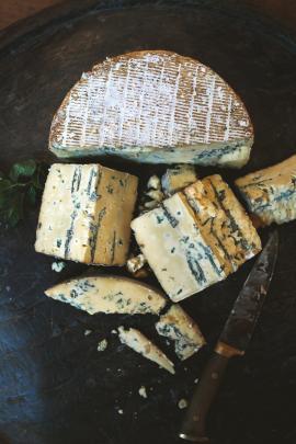 Whitestone cheese Windsor Blue
