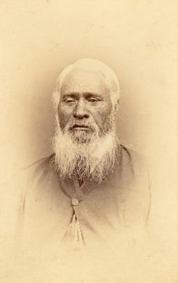 Unidentified Maori man, c. 1868, silver albumen print on carte-de-visite. PHOTO: PRIVATE COLLECTION.