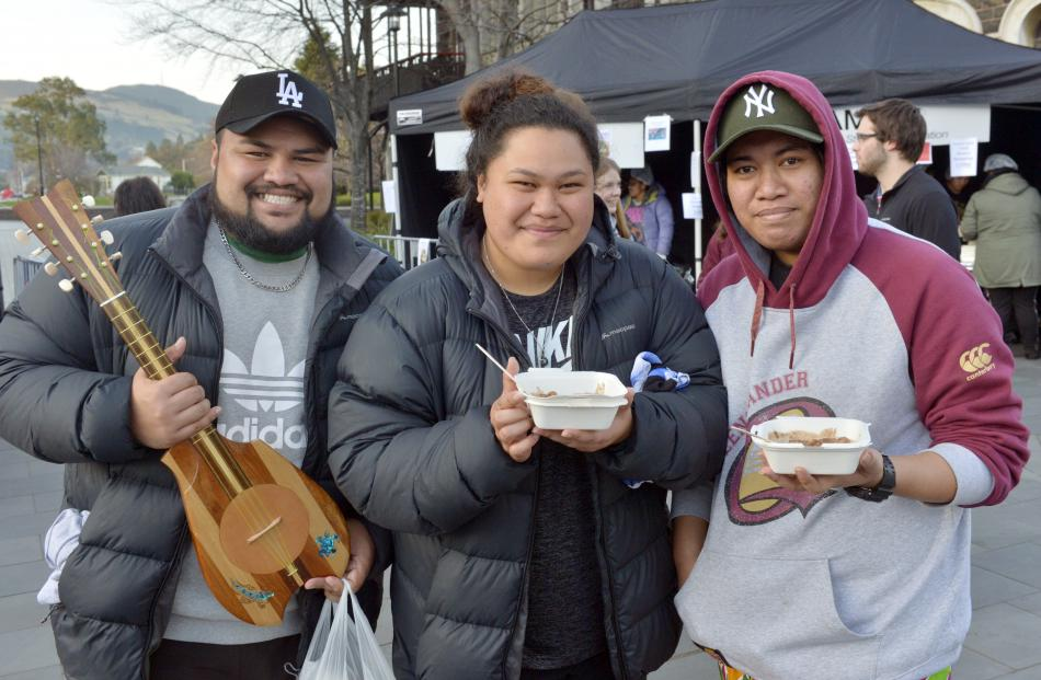 University students and Otago Cook Island Students' Association club members Ridge Ponini, Kura...