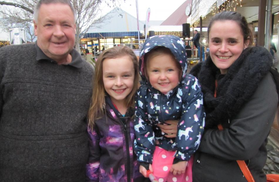 Stephen Clarke, Laura (11), Meya (3) and Tina Bates, all of Cromwell.
