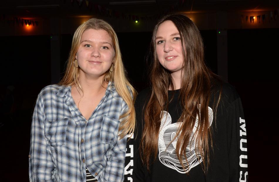 Autumn Duggan (16), of Mosgiel, and Mikaela Cruden (16), of Dunedin.
