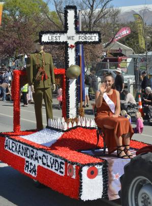 The Alexandra-Clyde RSA  float ''Armistice'' with Princess Breigh Monaghan.