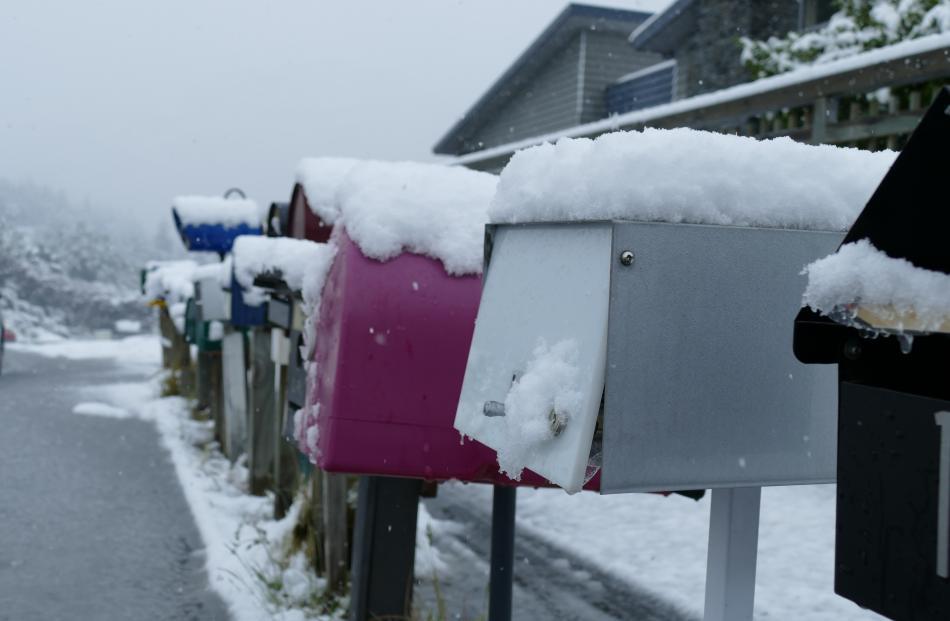 Snow on mailboxes near Arthurs Point.