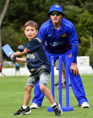 Hudson Scott (6) looks to play the ball while Volts wicketkeeper Ben Cox looks on.