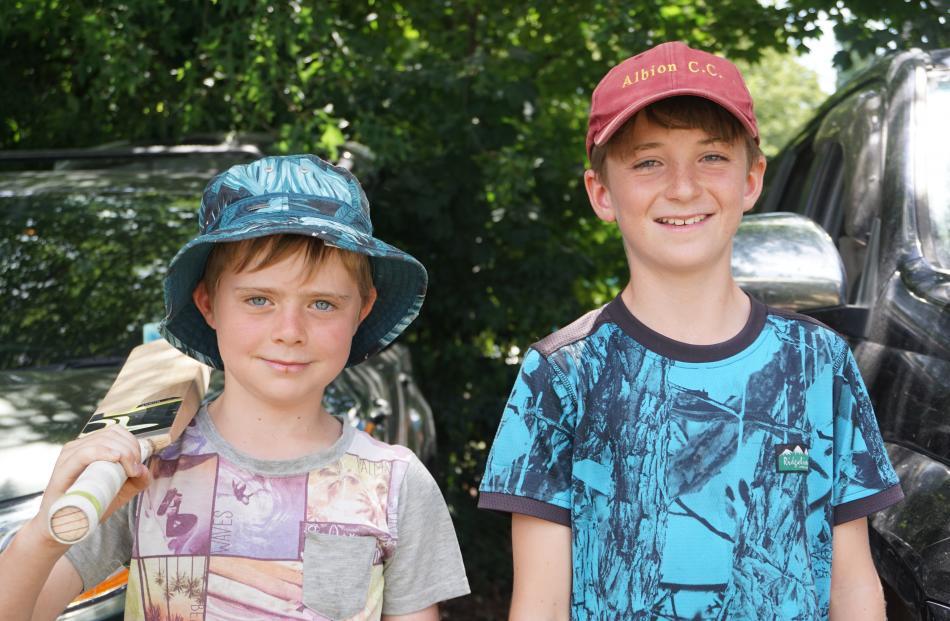 Rosco Rowley (9) and James Muir (10), both of Hawea Flat.