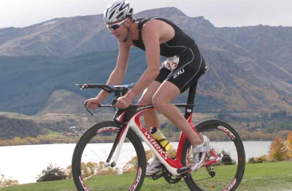 Invercargill triathlete Matt King heads back into the transition area.