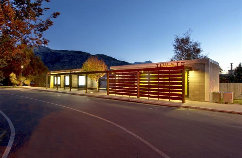 Frankton bus shelter and public toilets, designed by Mary Jowett Architects.