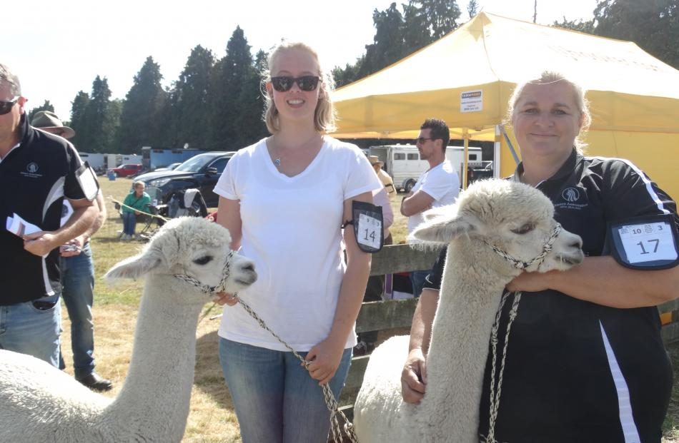Kat Greb (left) and Jakki Gilford, of Waimate, just before entering the alpaca ring.
