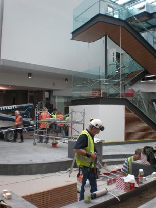 A quick look at the newly built stairwell and 'The Pit' area in Wall Street.