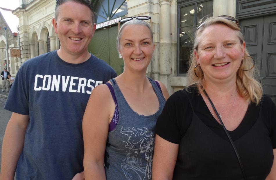 Matt and Theresa Kerr, of Dunedin, and Fiona Kerr, of Oamaru.
