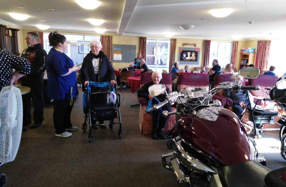A pre-ride afternoon tea and chat with residents.