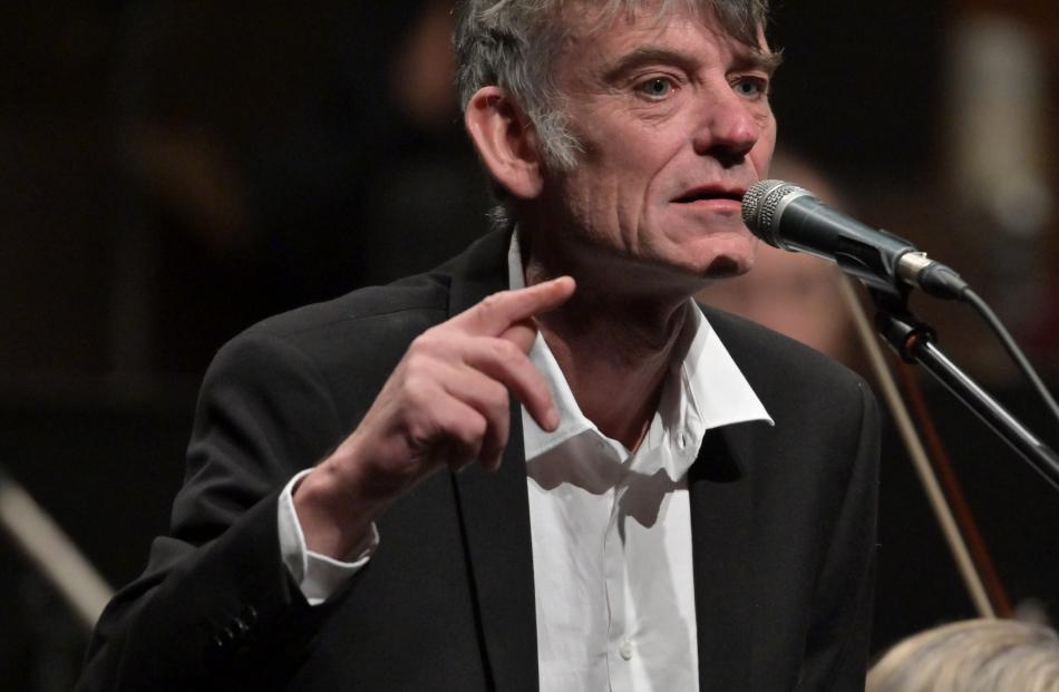 Graeme Downes sings with the Dunedin Symphony Orchestra.