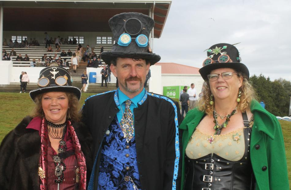 Southern Society of Steampunk Steamologists Debbie Kennard, Lindsay Howlie and Sonya McNamara.