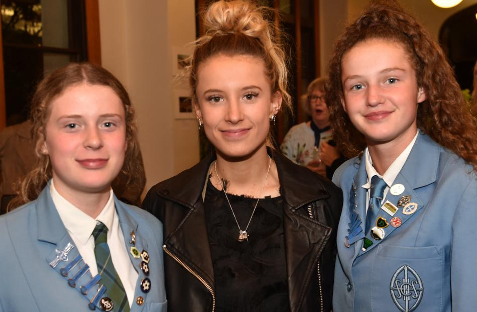 Hannah (14), Rebekah and Sarah (16) Langs- bury, all of Dunedin.