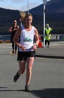 Open Women 10km, Carolyn Fox second of Fiordland in a time of 55.45. Photo: Julie Walls