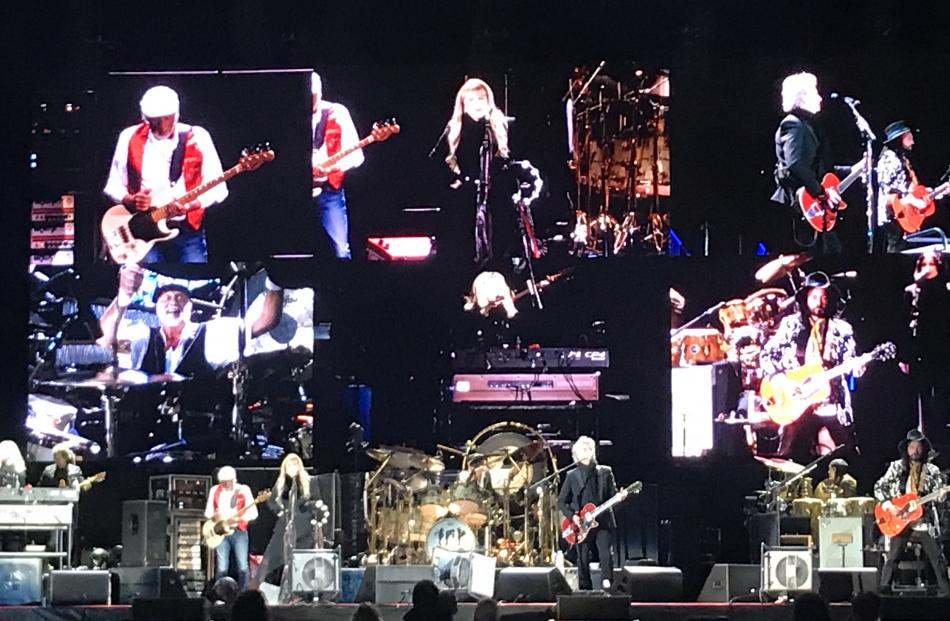 Fleetwood Mac, this time featuring Kiwi Neil Finn, after taking to the stage just after 8.20pm....