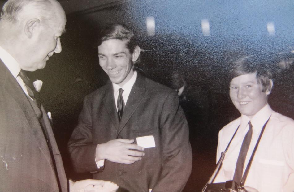 Keast with former Guardian reporter Gary Newton and Sir Arthur Porrit