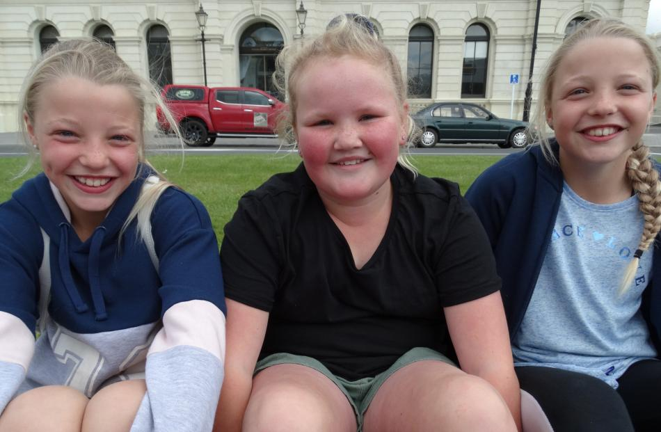 Gemma Aker (10), Bennette Kennedy (9) and Laura Aker (10), of Oamaru.