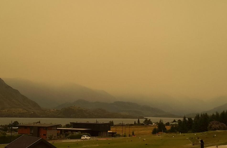 Australia's raging bushfires are smothering New Zealand with smoke