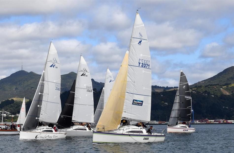 Ross 780 yachts charge the start line.