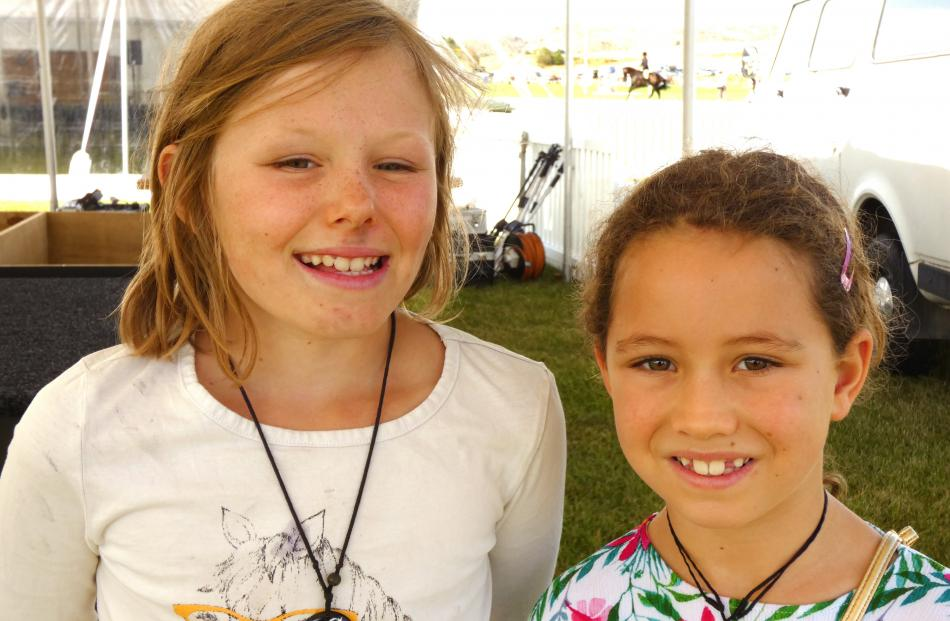 Bayley Johnson (9), of Poolburn, and Lilianah McMurray-Scherp (7), of Becks.