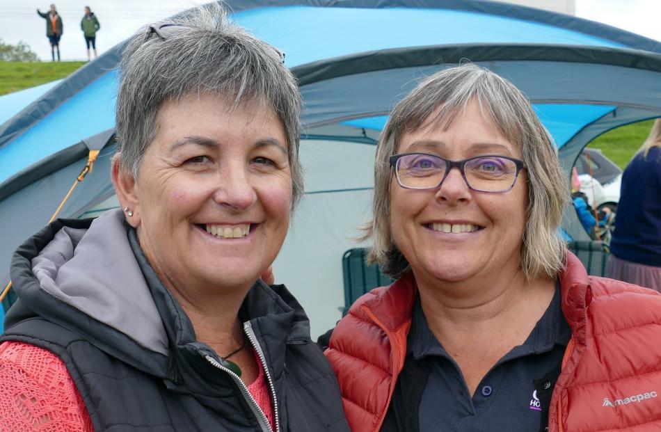 Kaye Jopson, of Balclutha, and Yvette Hendry, of Dunedin.