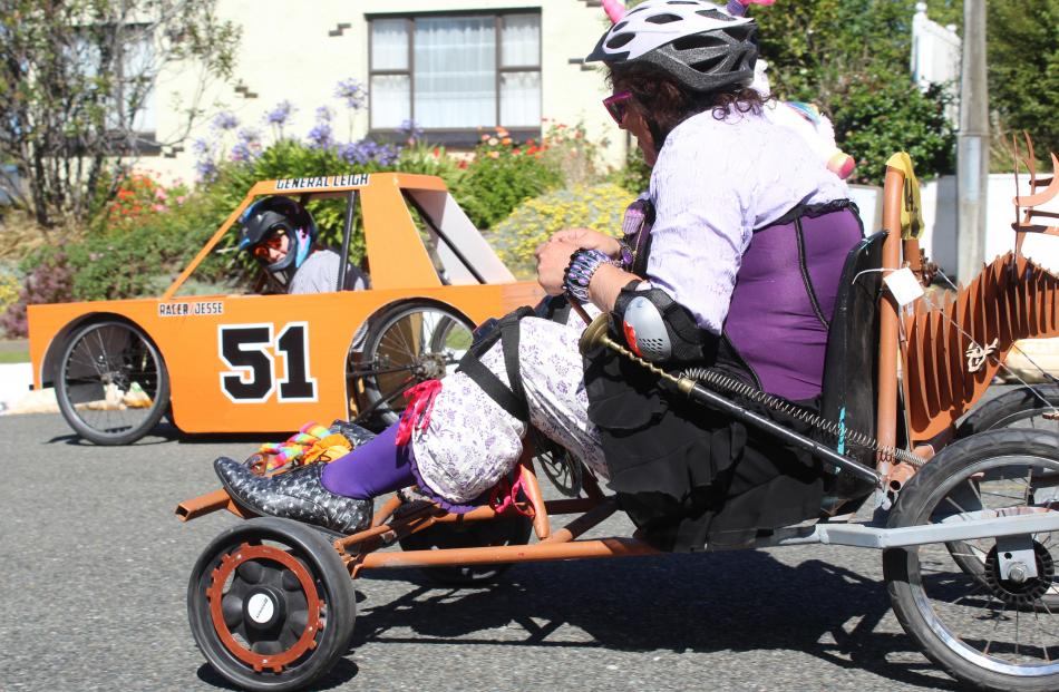 Suzanne Leigh rolls ahead of Debbie Kennard to take first place in the adult category. Photos:...