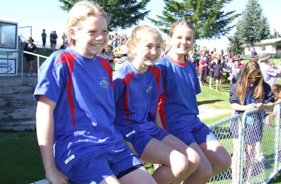 Sophie Aitken (12), Ella Little and Alex Hull (both 10), of Arrowtown Primary.