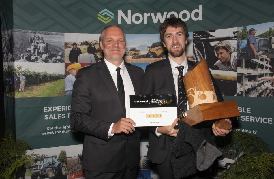 Norwood's Tim Morduant (left) and Rural Sportsman of the Year Allan Oldfield. Photo: Supplied
