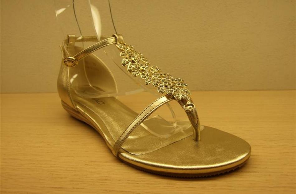 Barton sandal at Mi Piaci