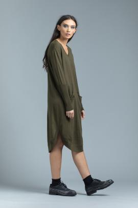 The Nineteen46 Lovechild Sweater dress provides a back-to-work dress with versatility and warmth.