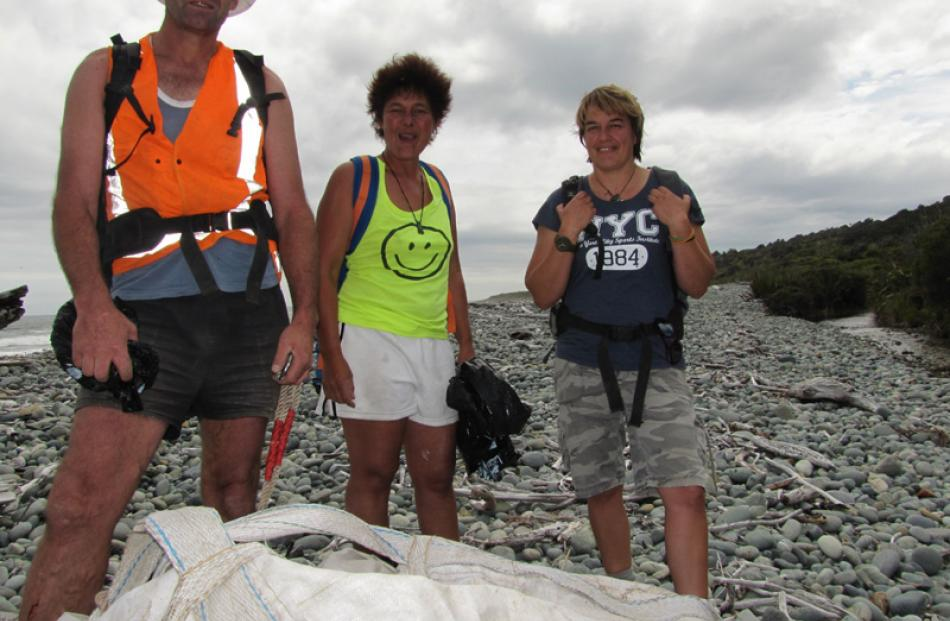 Haast volunteers Robin Manera, Marietta Gibb and Robyn Hoglund, with some of the fadges of...