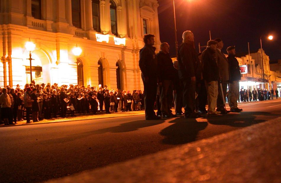Returned service personnel (right) start to form up at the World War I monument in Oamaru's...
