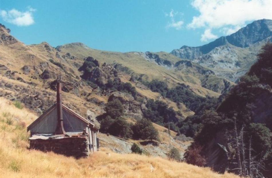 Bullendale hut, Skippers Creek.