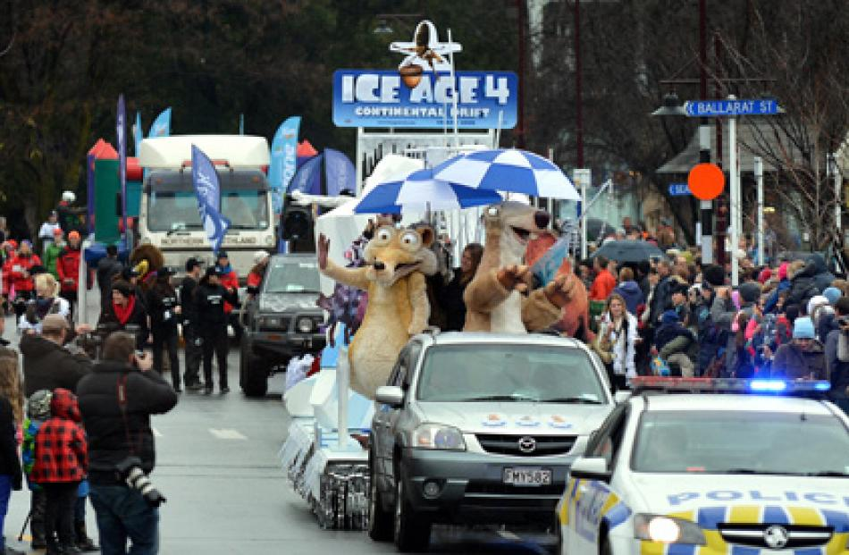 The 2012 Queenstown Winter Festival parade starts.