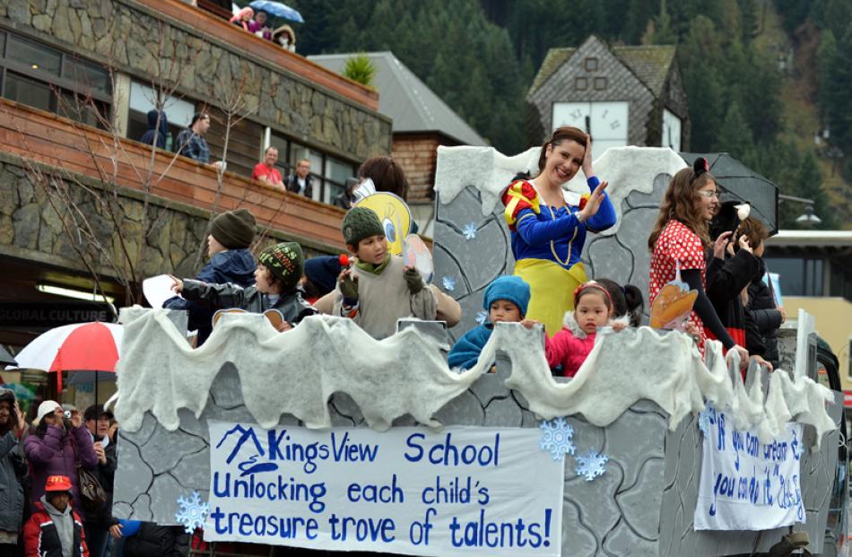 The Kingsview School float.