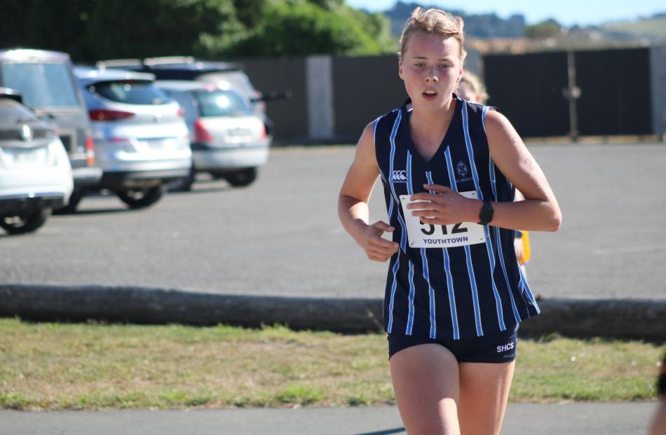 Dunedin's Maddie Cockburn makes light work of the track.