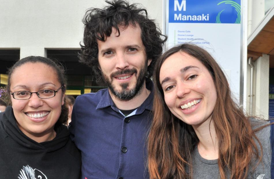 McKenzie with Rebecca Rainforth (25) and Lydia Fraser (24).