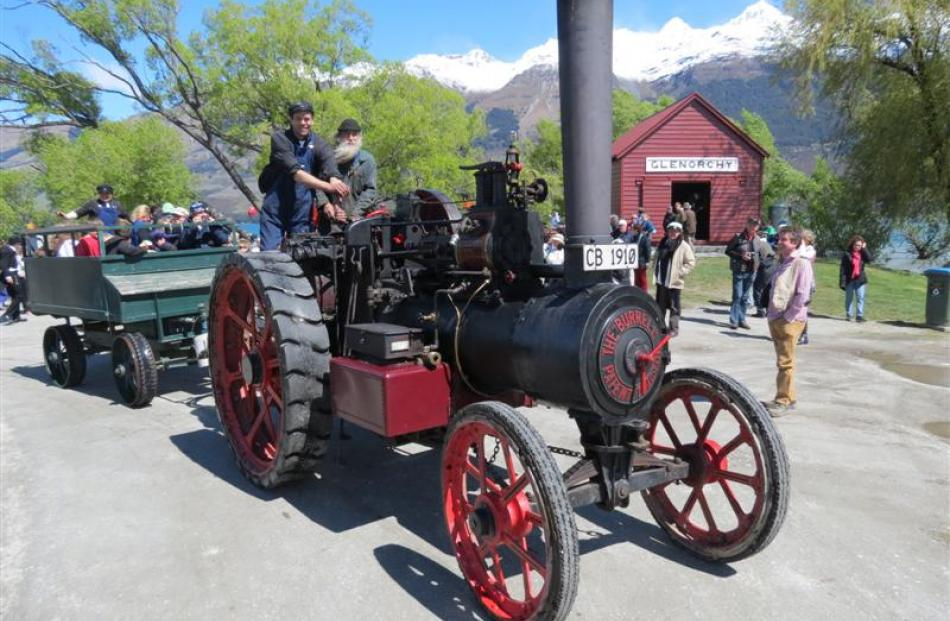 Young and young at heart went on joyrides courtesy of a vintage steam traction engine.