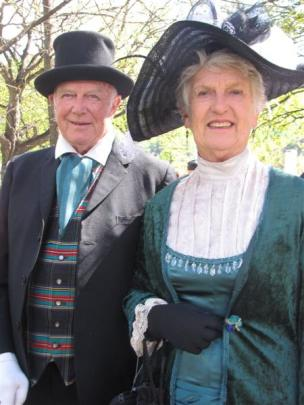 Eric and June Simpson, of Arrowtown. Photo by Tracey Roxburgh.