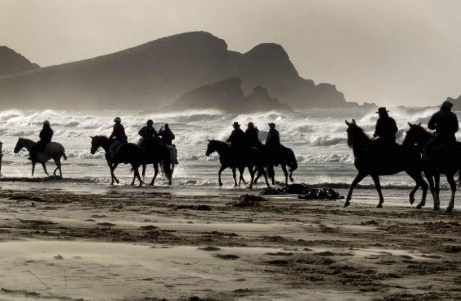 The Glencoe Highlanders on Surat beach.