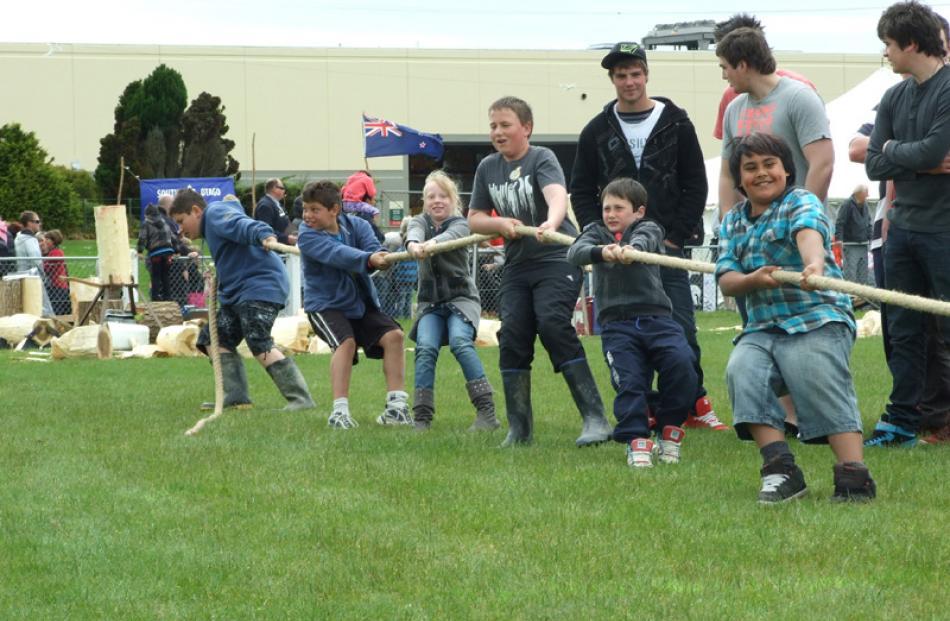 From left: Steven Storer (12), Stevie Dan (10), Cassi Buchanan (9), Sage Hay (12), Blake Dodds (8...