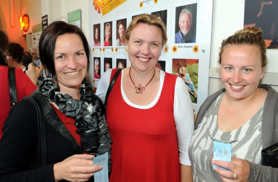 Geraldine Duncan, Jayne Hazlett and Renee Weir, all of Ranfurly.