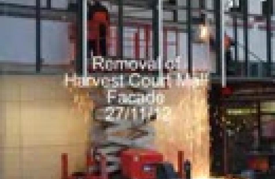 237017_236936_harvest_court_1_flv_50b5656ff1_flv_50b64f3cd4.jpg